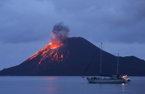 ДЕН 4:ДЖАКАРТА – Тур до вулкана Кракатоа ДЖОКДЖАКАРТА - Пристигане